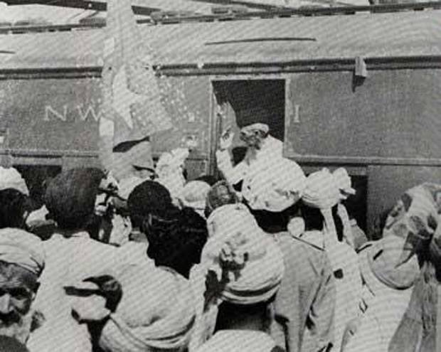 People welcoming Quaid-e-Azam at Quetta Airport