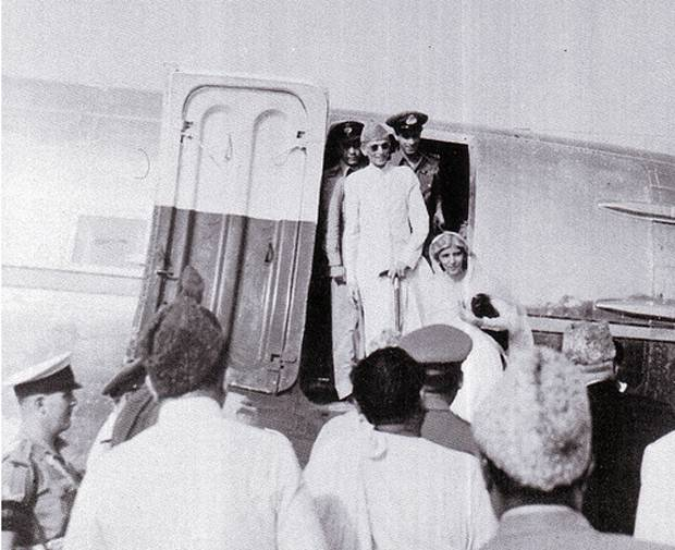 Quaid-e-Azam Coming back to Pakistan.